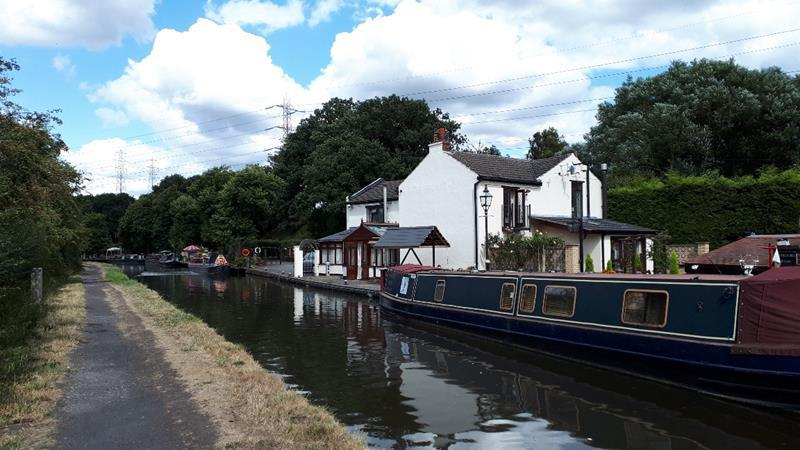 Canal Cottage Hinksford Lane